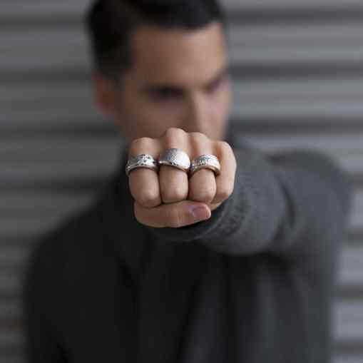 Rings for men: Yes or no?