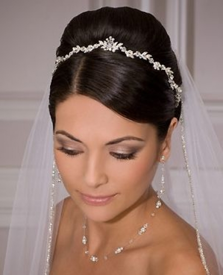The jewels that fit the bride