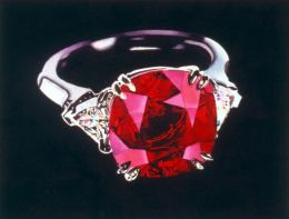 Ruby Ring: An elegant jewel, perfect for expressing powerful feelings